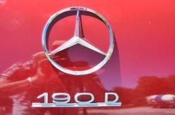0 Mercedes 190 7